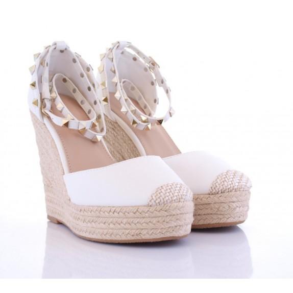 Sandały na koturnie ćwieki Florence białe