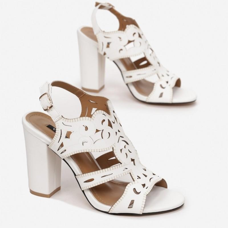 Sandały ażurowe słupek Nancy białe
