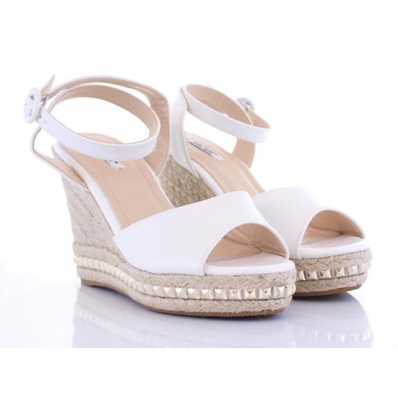 Sandały koturn ćwieki Alba białe